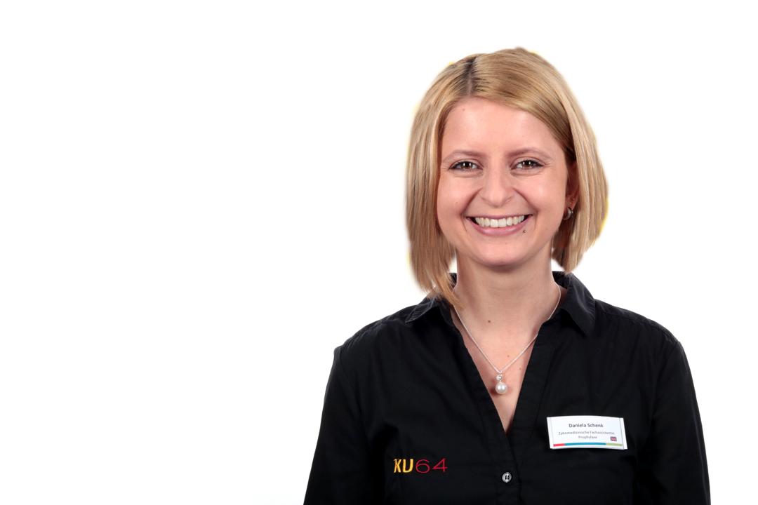 Daniela Schenk, zahnmedizinische Fachassistentin für Prophylaxe und Bleaching