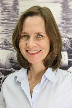 Dr. Anne Linderhaus, Zahnärztin für ganzheitliche Kieferorthopädie, Osteopathin, Referentin & Matrix-Therapeutin